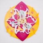 Man Yau: Sun - Puu, spray-maali, akryyli, teräs - 85 cm x 90 cm x 6 cm - 2017 (Kuva: Emma Sarpaniemi)
